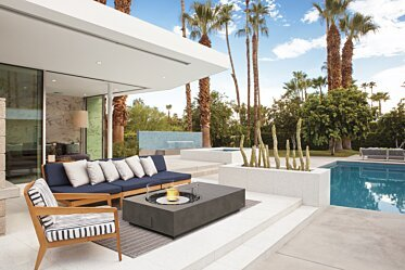 Outdoor courtyard - Residential Fireplace Ideas