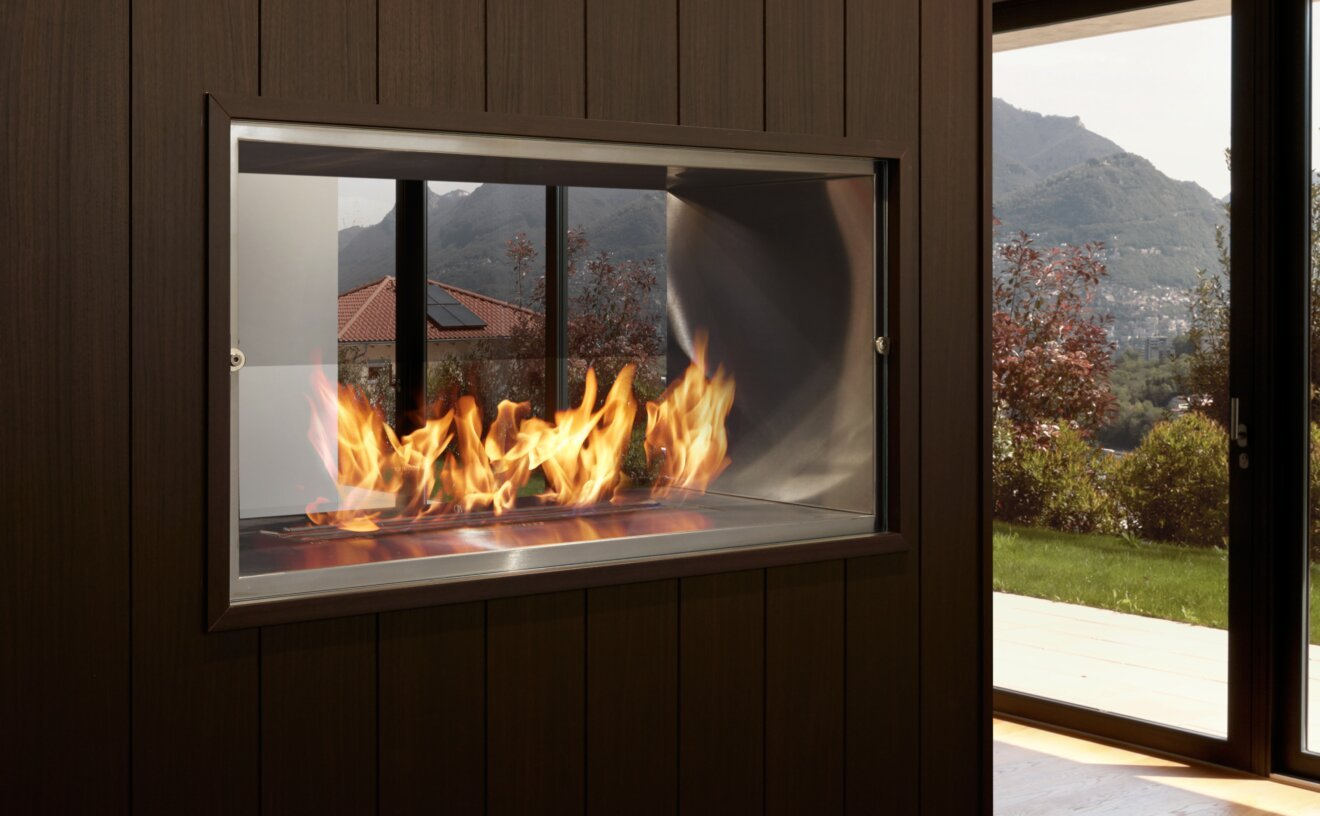 1000db-double-sided-fireplace-insert-private-residence-1000db.jpg