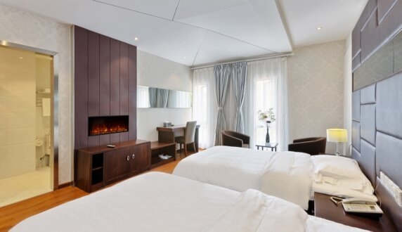 Hotel Room - EL40 Electric Fireplace by EcoSmart Fire