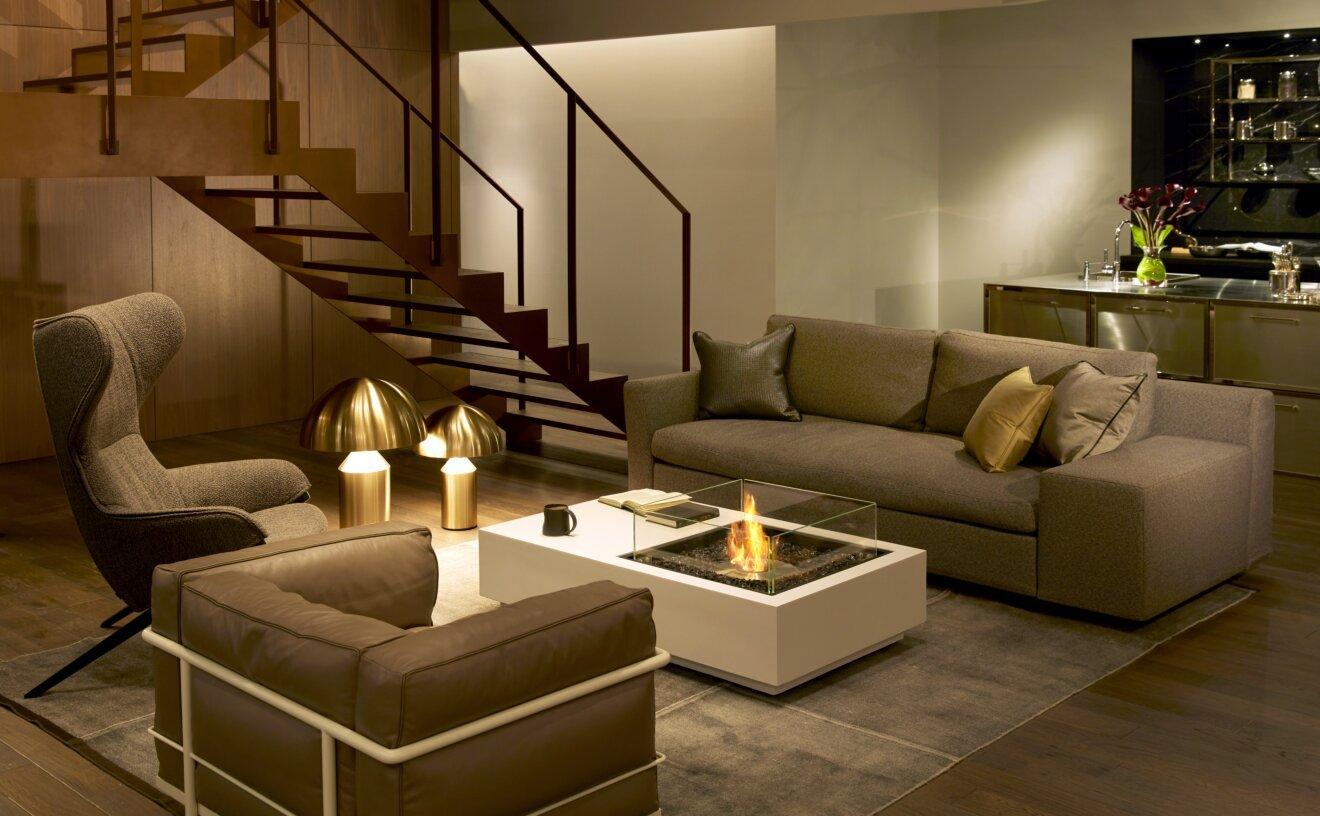 manhattan-fire-pit-table-manhattan-fireplace-living.jpg